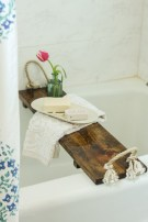 Unique diy bathroom ideas using wood (34)