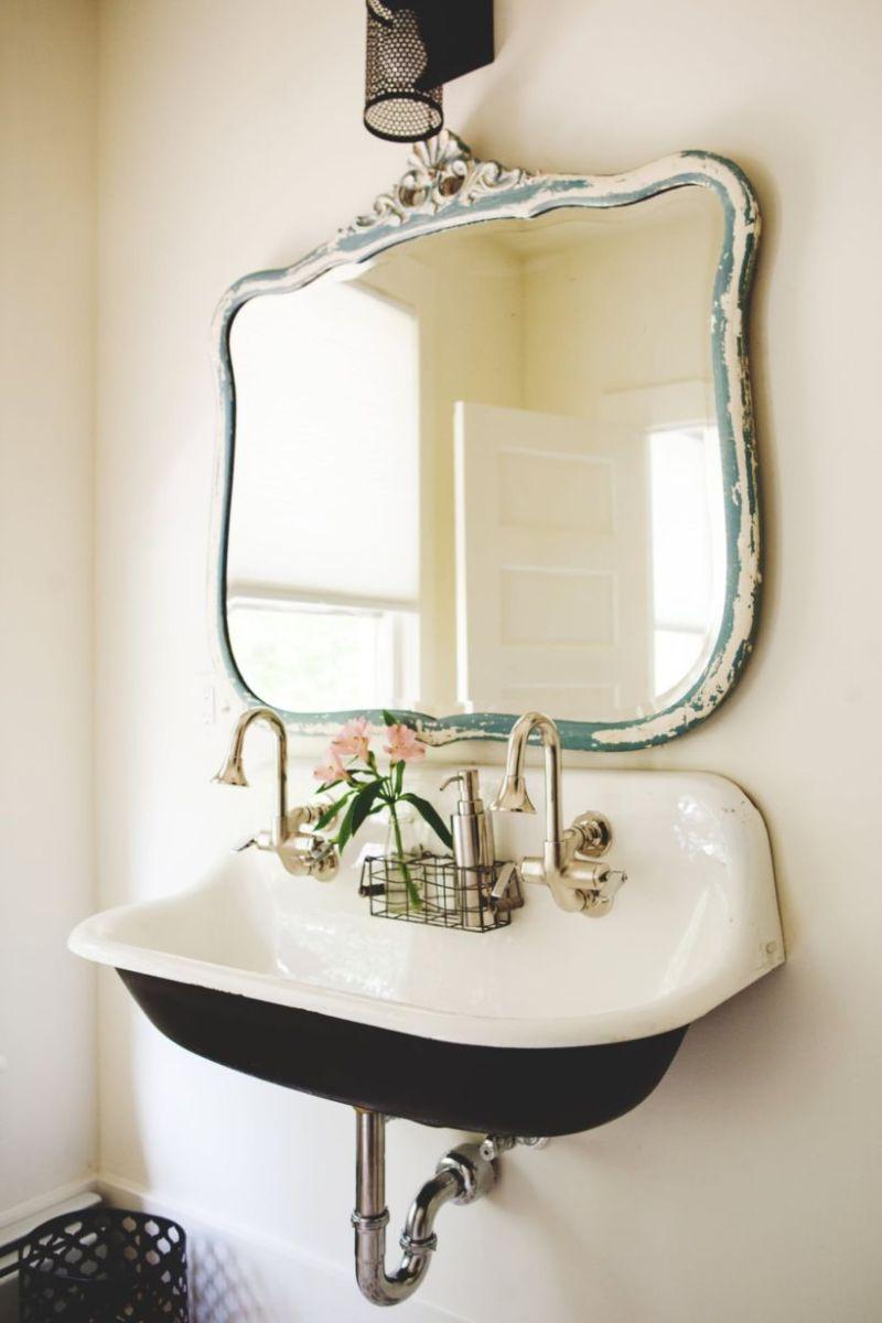 Vintage farmhouse bathroom ideas 2017 (16) - Round Decor