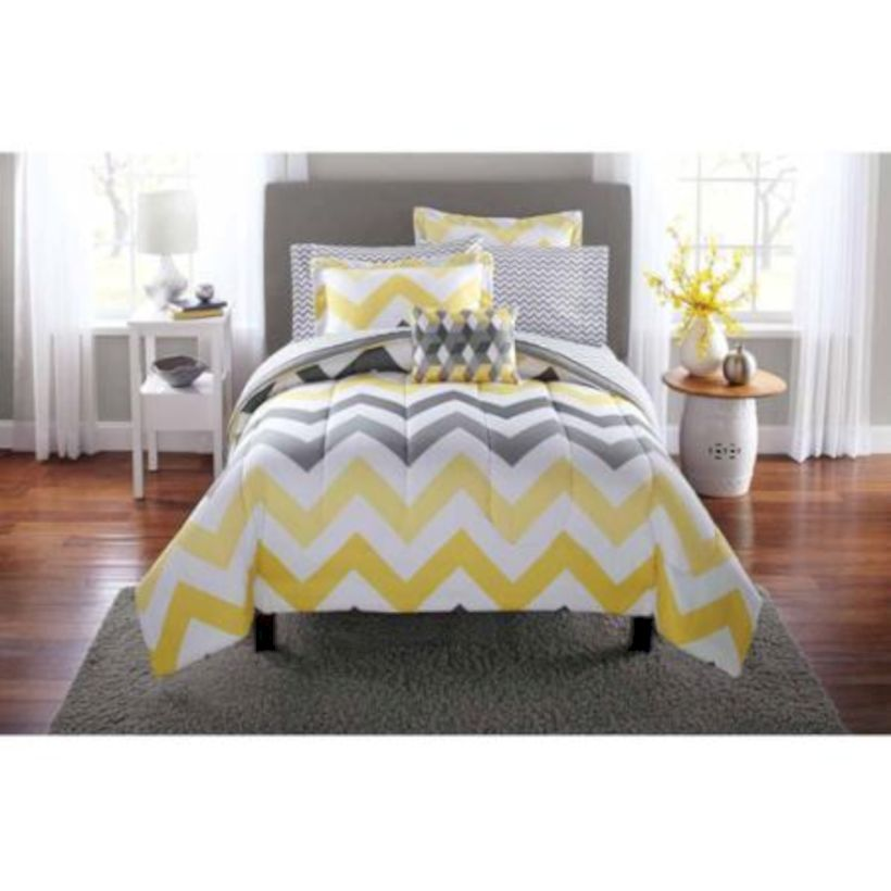 Visually pleasant yellow and grey bedroom designs ideas 07