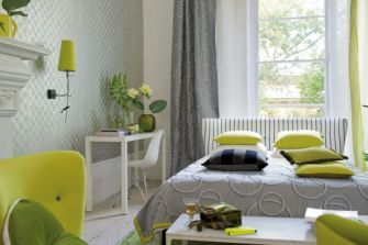 Visually pleasant yellow and grey bedroom designs ideas 31
