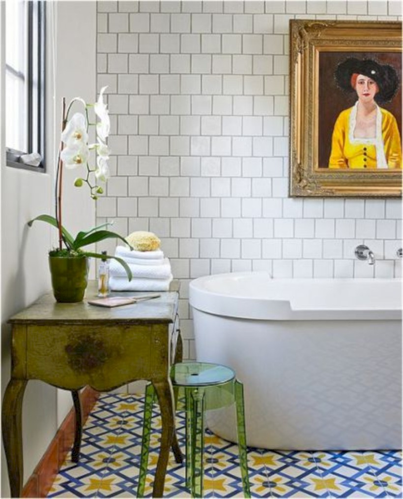 Yellow tile bathroom paint colors ideas (26)