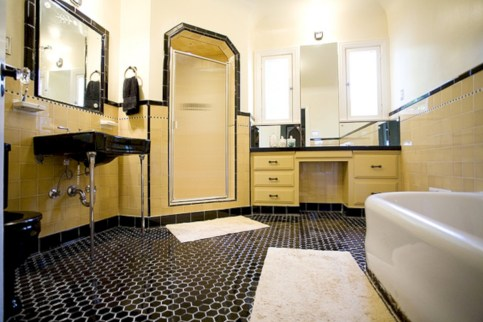 Yellow tile bathroom paint colors ideas (39)
