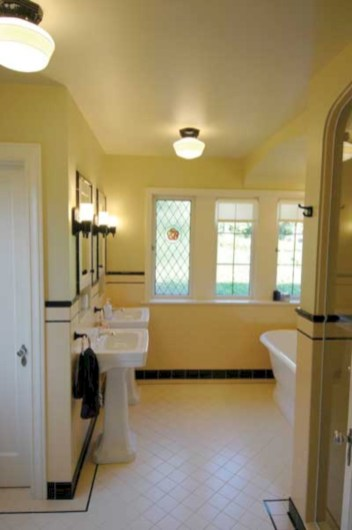Yellow tile bathroom paint colors ideas (42)