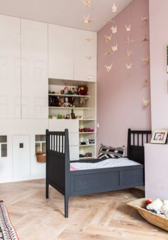 Cool kids bedroom with pink colour 21