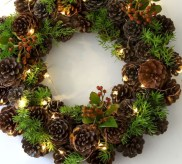 Affordable christmas wreaths decoration ideas you should try 11