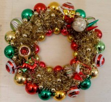 Affordable christmas wreaths decoration ideas you should try 12