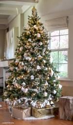 Beautiful scandinavian christmas tree decoration ideas 03