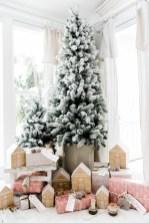 Beautiful scandinavian christmas tree decoration ideas 04
