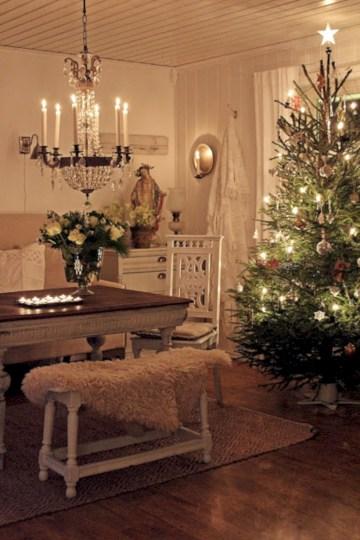 Beautiful scandinavian christmas tree decoration ideas 08
