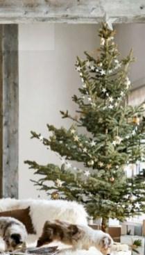 Beautiful scandinavian christmas tree decoration ideas 31