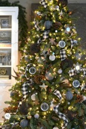Brilliant ideas christmas tree decoration ideas with ribbon 35