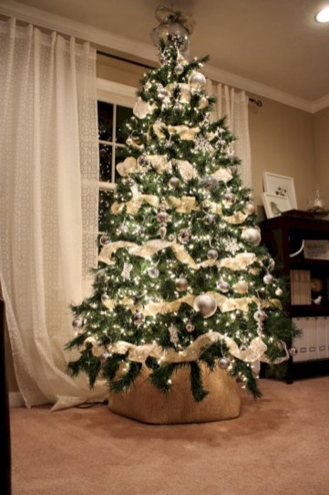 Brilliant ideas christmas tree decoration ideas with ribbon 39