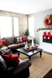Cozy christmas decoration ideas for your apartment 08