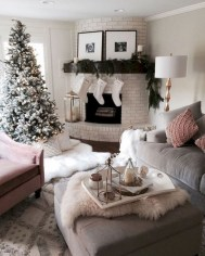 Cozy christmas decoration ideas for your apartment 28