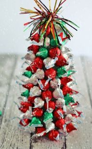 Creative diy christmas table centerpieces ideas 07