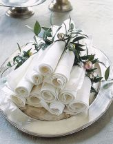 Creative diy christmas table centerpieces ideas 26