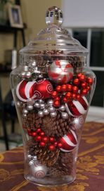 Creative diy christmas table centerpieces ideas 31