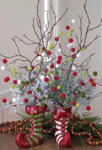 Creative diy christmas table centerpieces ideas 37