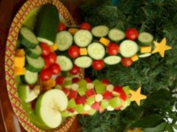 Easy christmas fruit tree centerpieces ideas 03