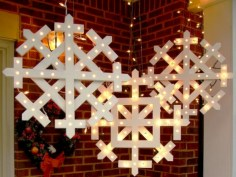 Easy outdoor christmas decorations ideas on a budget 20
