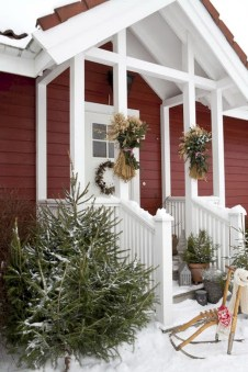 Easy outdoor christmas decorations ideas on a budget 24