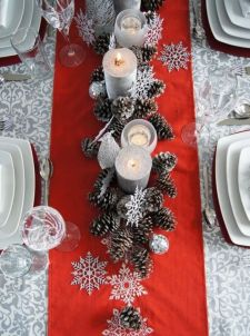 Inspiring farmhouse christmas table centerpieces ideas 05