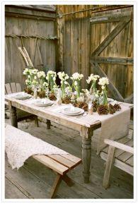 Inspiring farmhouse christmas table centerpieces ideas 08