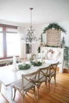 Inspiring farmhouse christmas table centerpieces ideas 14