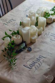 Inspiring farmhouse christmas table centerpieces ideas 24