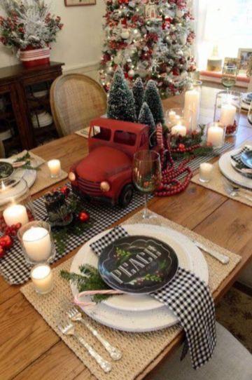 Inspiring farmhouse christmas table centerpieces ideas 25