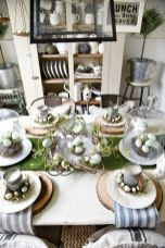 Inspiring farmhouse christmas table centerpieces ideas 29
