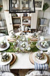 Inspiring farmhouse christmas table centerpieces ideas 29