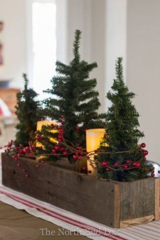 Inspiring farmhouse christmas table centerpieces ideas 40
