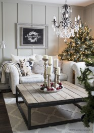 Minimalist christmas coffee table centerpiece ideas 49