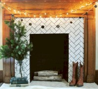 Modern farmhouse fireplace christmas decoration ideas 04