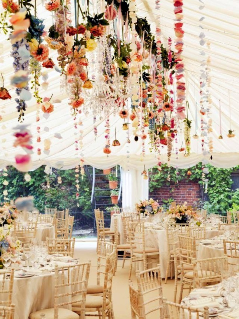 Romantic Winter Vintage Wedding Decoration Ideas 17