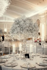 Spectacular winter wonderland wedding decoration ideas (12)