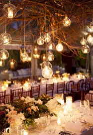 Spectacular winter wonderland wedding decoration ideas (14)