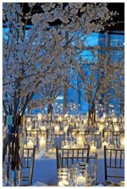 Spectacular winter wonderland wedding decoration ideas (19)