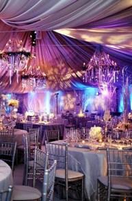Spectacular winter wonderland wedding decoration ideas (20)