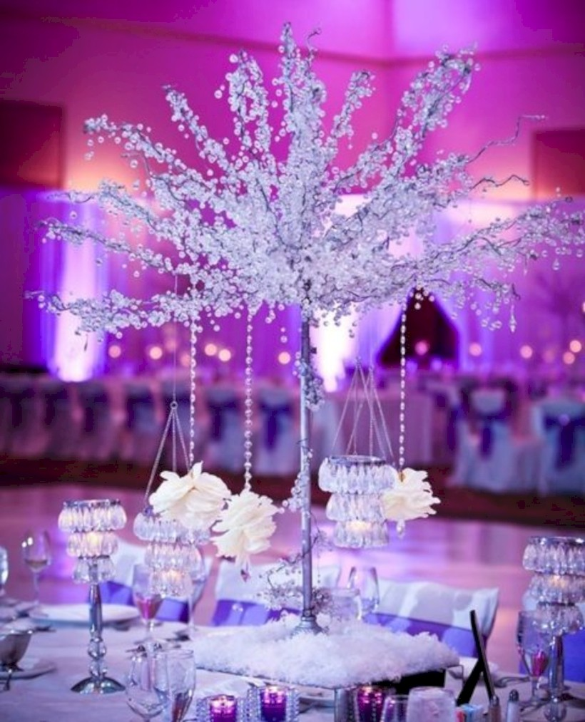 Spectacular Winter Wonderland Wedding Decoration Ideas 33 Round