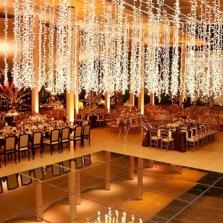 Spectacular winter wonderland wedding decoration ideas (6)