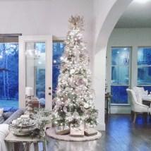 Stunning gold christmas tree decoration ideas 17