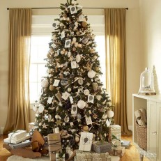 Stunning gold christmas tree decoration ideas 22