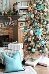 Stunning gold christmas tree decoration ideas 36