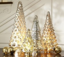 Stylish christmas centerpieces ideas with ornaments 04