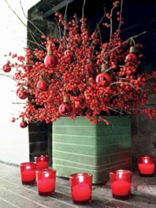 Stylish christmas centerpieces ideas with ornaments 33