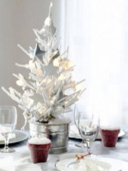 Stylish silver and white christmas table centerpieces ideas 06