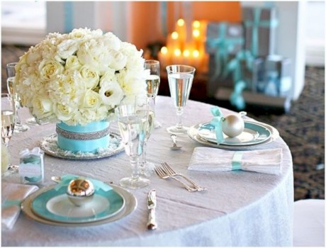 Stylish silver and white christmas table centerpieces ideas 09