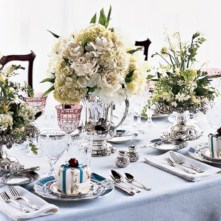 Stylish silver and white christmas table centerpieces ideas 21